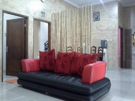 Interior view Kadirojo Homestay