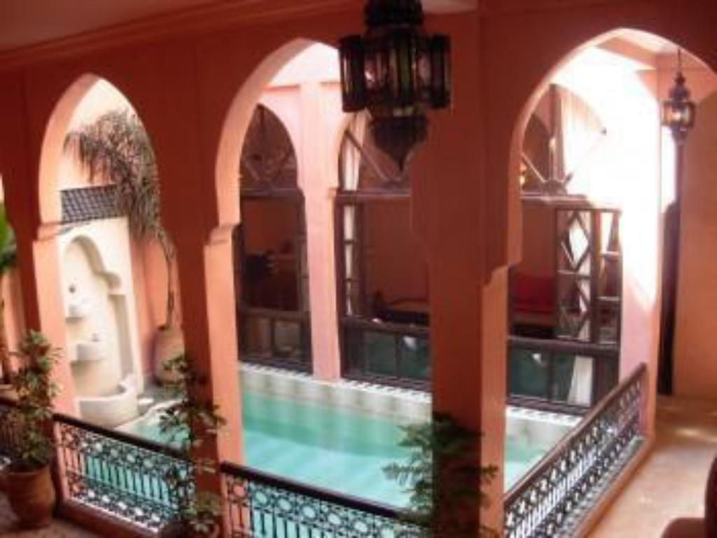Swimming pool Riad Aderbaz