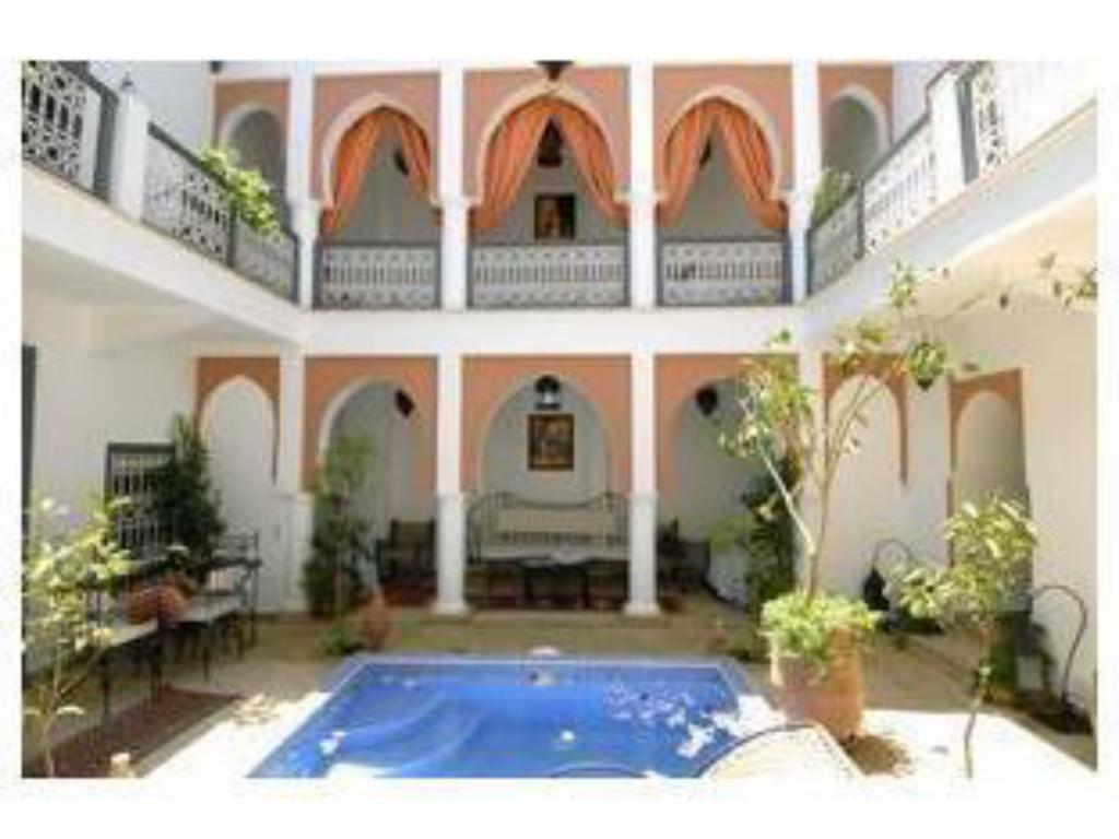 Swimming pool Riad Dar Shana
