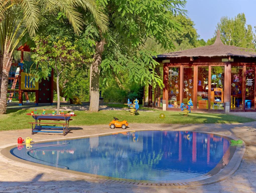 Best price on sheraton mallorca arabella golf hotel in majorca reviews for Palma de mallorca hotels with swimming pool