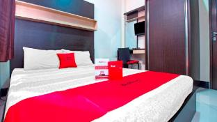RedDoorz Plus near Isola UPI