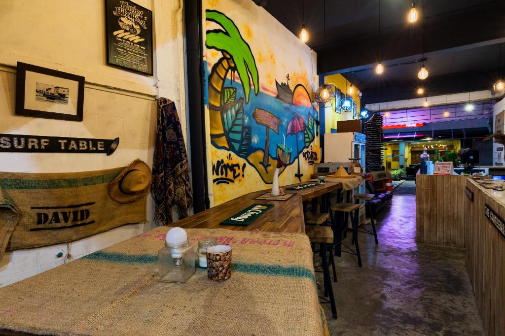 Фойє Wire Hostel Patong