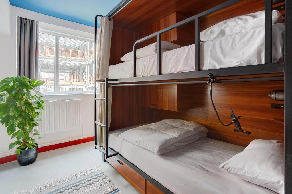 1 Bed in 12-Bed Dormitory - Room plan Hatters Liverpool Hostel