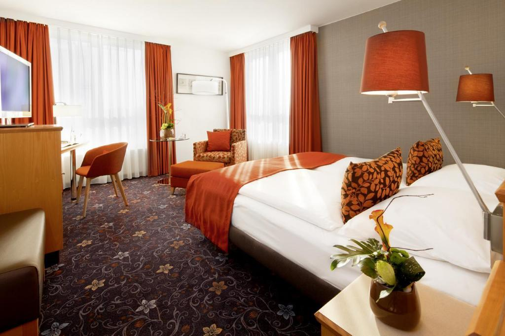Classic King - View Movenpick Hotel Nuremberg-Airport