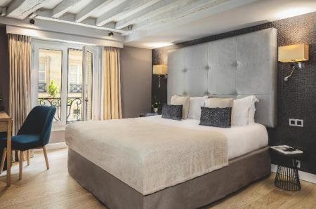 Classic Double Room - Bedroom Hotel Opera Marigny