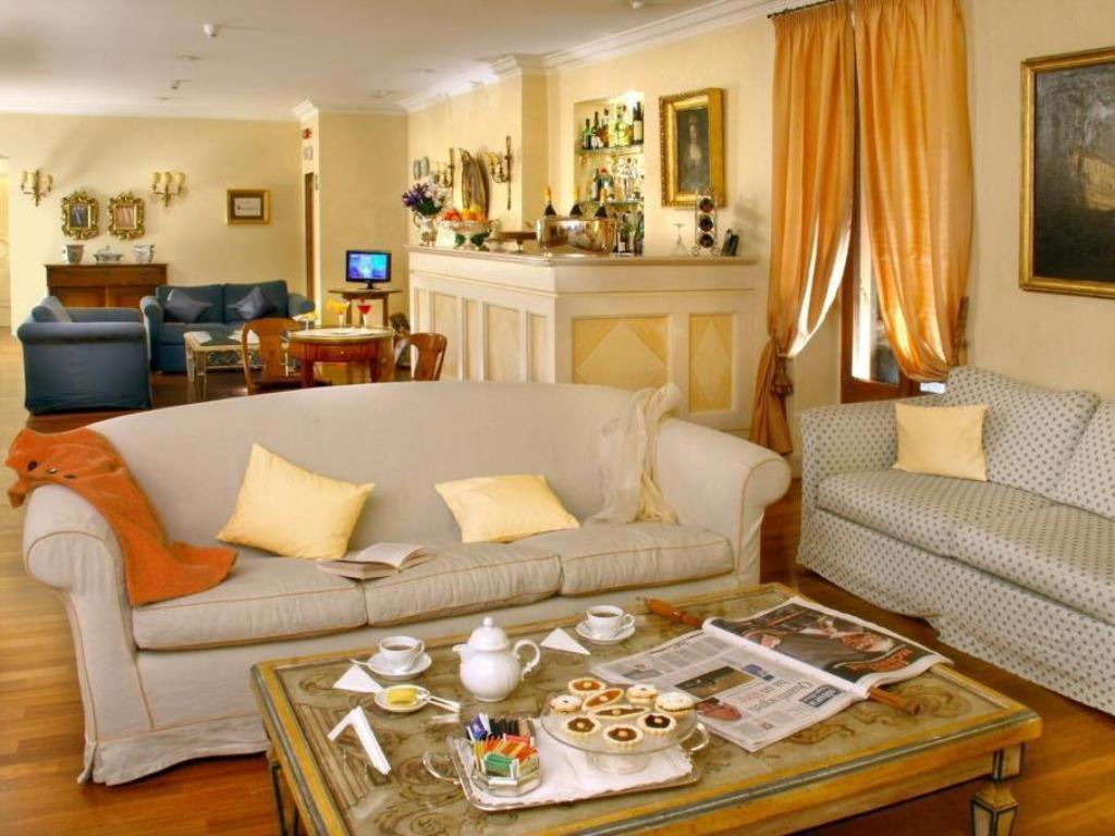 More about Hotel Mozart