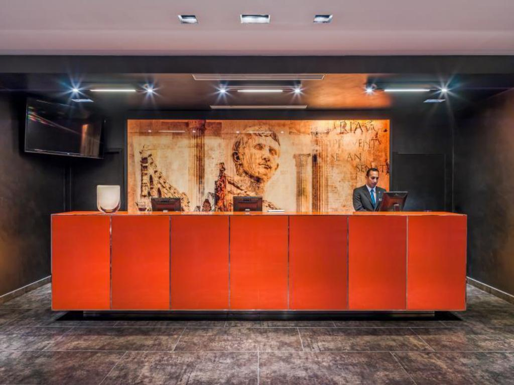 Double or Twin - Reception H10 Roma Citta Hotel