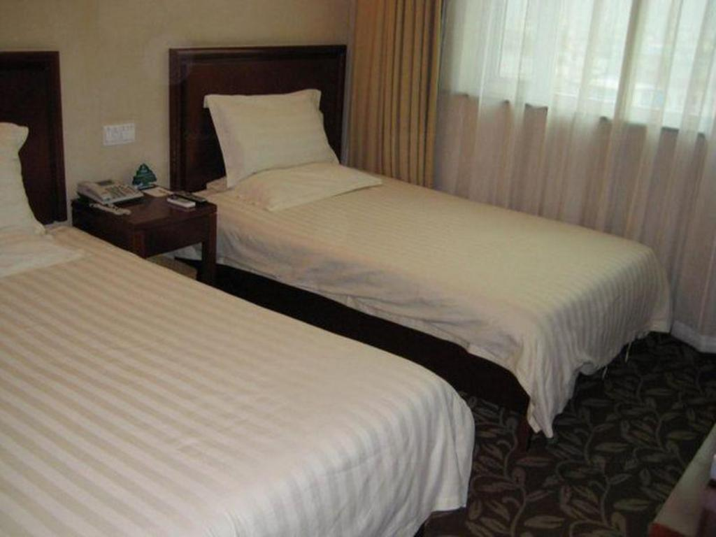 Twin Bed Room - Bed GreenTree Inn Hangzhou Tonglu High Speed Railway Station Business Hotel