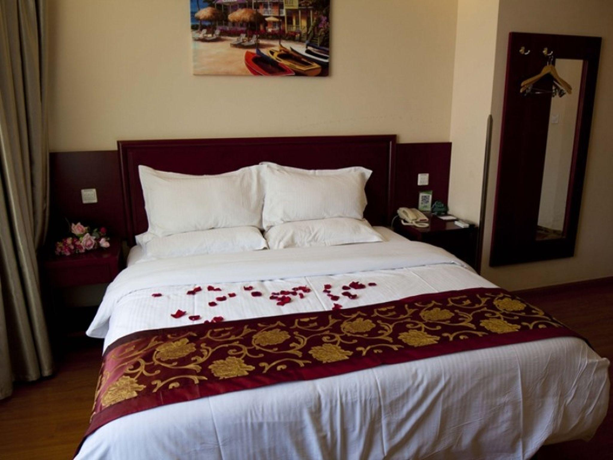 Chambre Queen – Résidents nationaux seulement (Queen Room - Domestic residents only)
