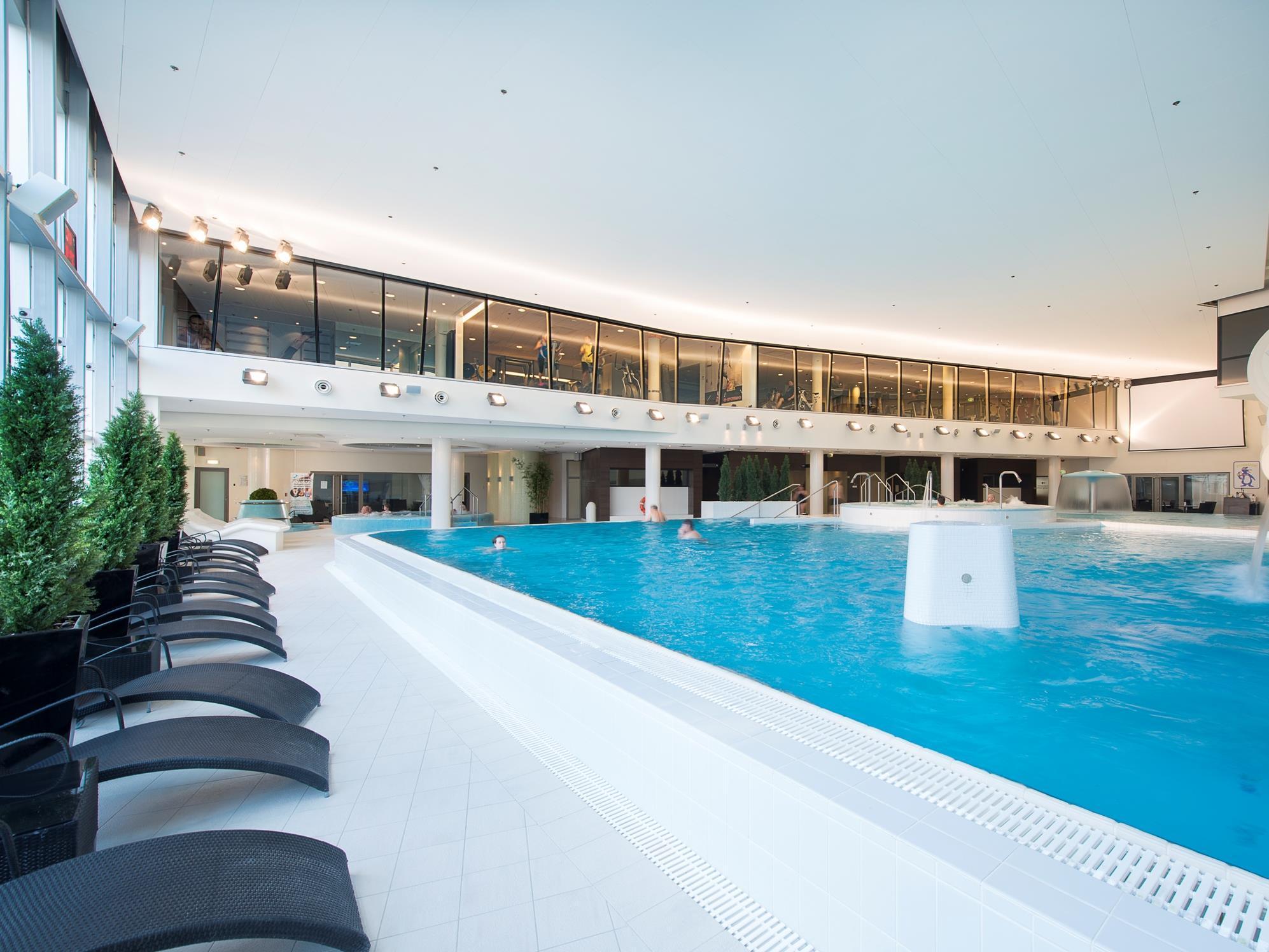 meriton grand conference spa hotel kokemuksia tallink express hotel kokemuksia