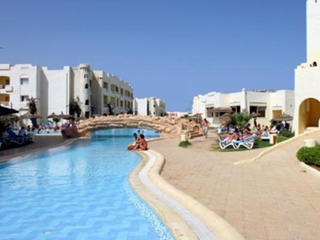 Uszoda Sun Beach Resort