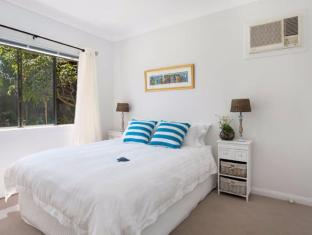 Cronulla Beach House Bed & Breakfast