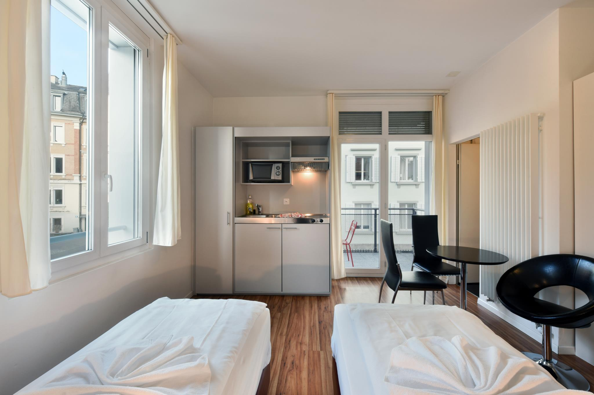 Best Price on California House in Zurich + Reviews!