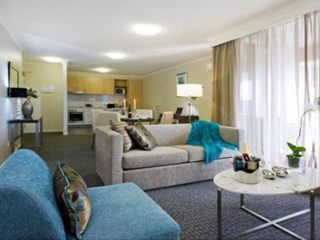 1 Bedroom Apartment Pacific Suites Canberra