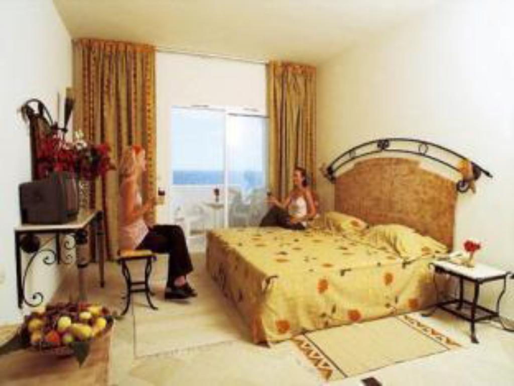Single Room Yasmine Beach Hotel