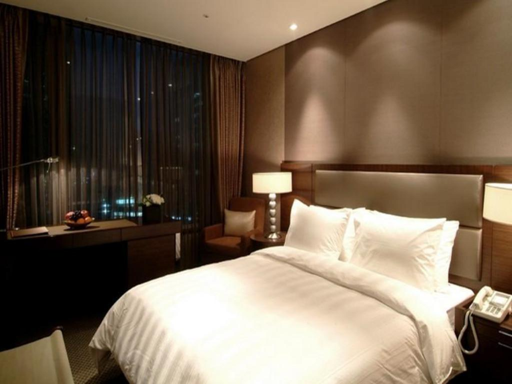 Superior Double Room - Room plan Lotte City Hotel Mapo