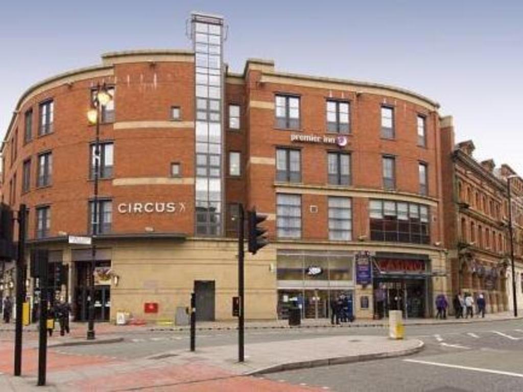 Premier Inn Manchester City Centre Portland Street In