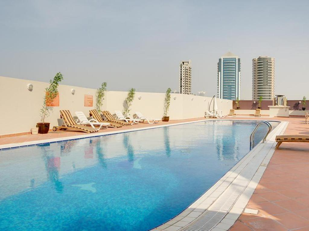 Best price on fortune grand hotel apartment in dubai reviews for Dubai airport swimming pool price