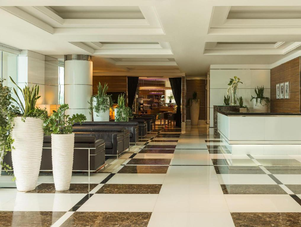 Lobby Four Points by Sheraton Downtown Dubai