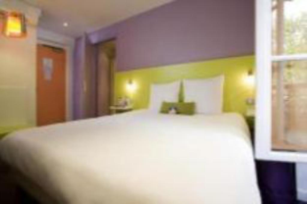 See all 32 photos Ibis Styles Paris Gare De L'Est Chateau Landon Hotel