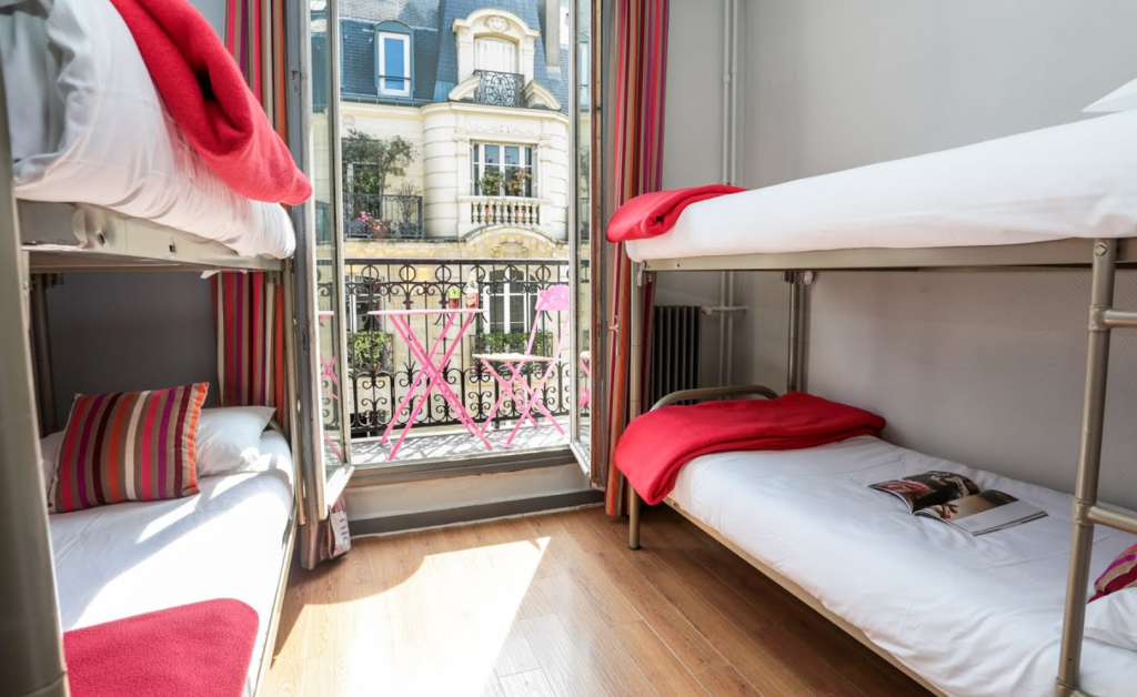 1 Person in 4-Bed Dormitory - Female Only - Room plan Smart Place Paris Gare du Nord by Hiphophostels