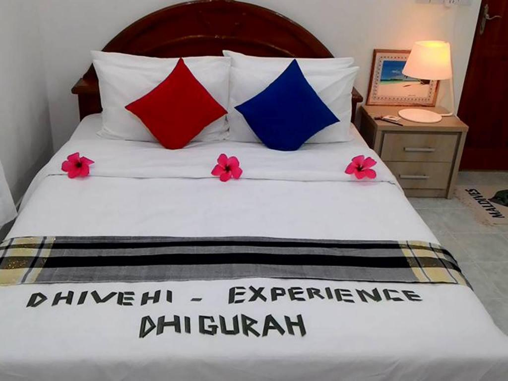 Deluxe Double Non-Smoking - Bed Dhivehi Experience