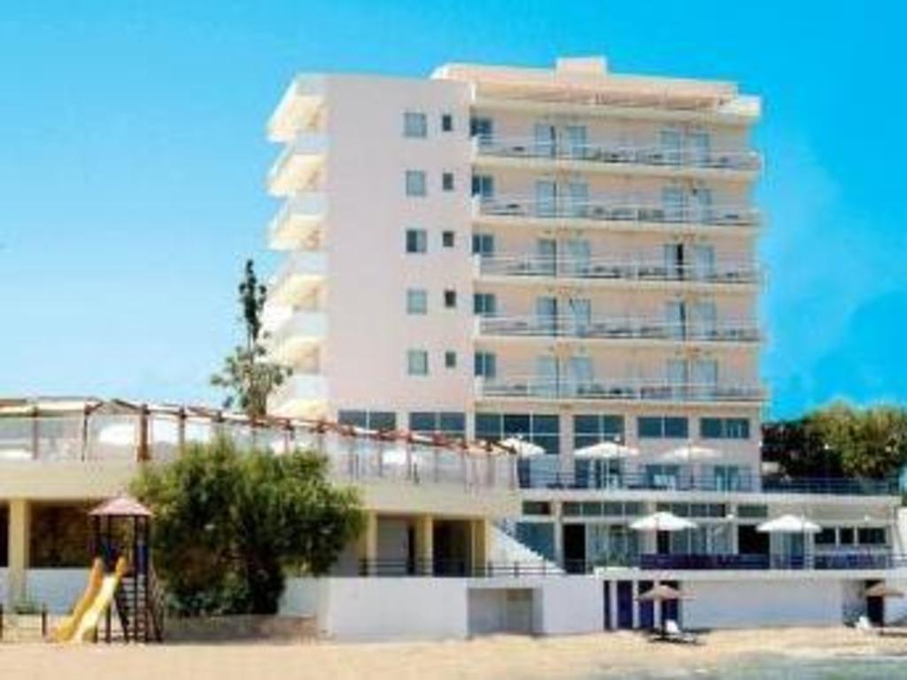 31ca5eb8bc Attica Beach Hotel in Nea Makri - Room Deals
