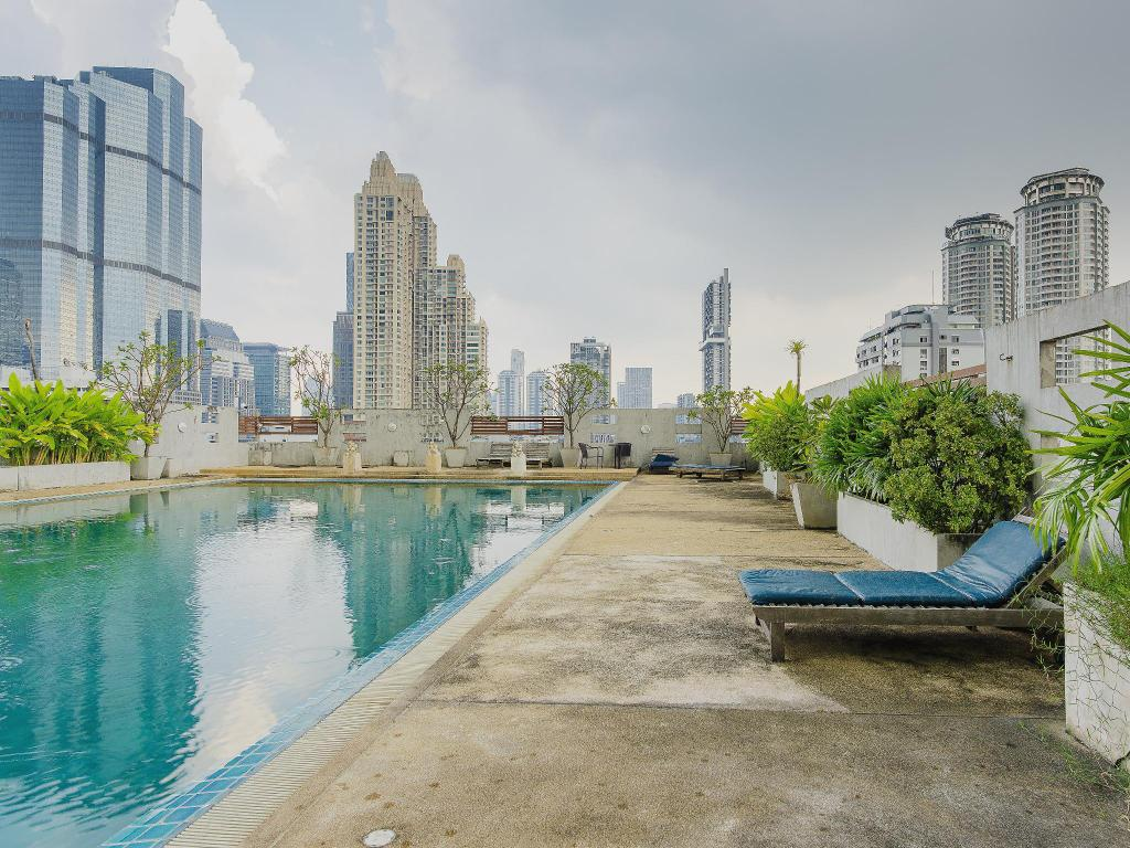 Swimming pool [outdoor] Sathorn Grace Serviced Residence