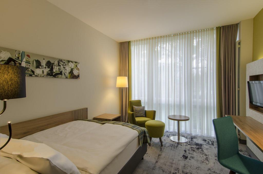 1 Double Bed Non-Smoking - Guestroom Holiday Inn Munich-Unterhaching