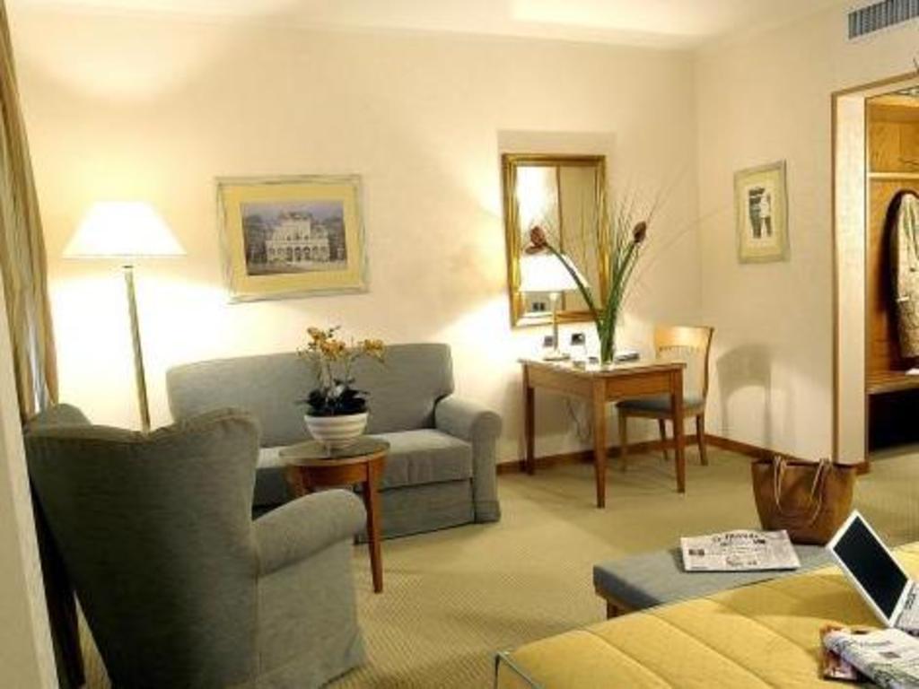 interior view hotel excelsior magenta