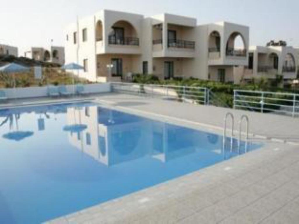 Schwimmbad Nanakis Beach Luxury Apartments