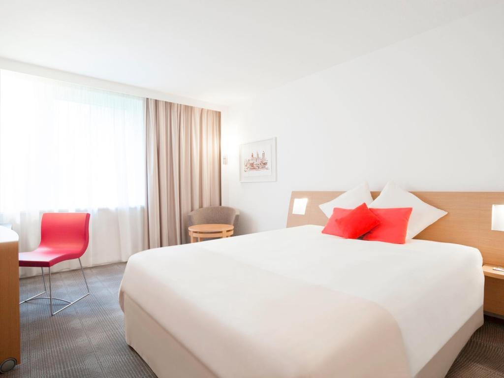Executive Double Bed Novotel Zurich Airport Messe Hotel