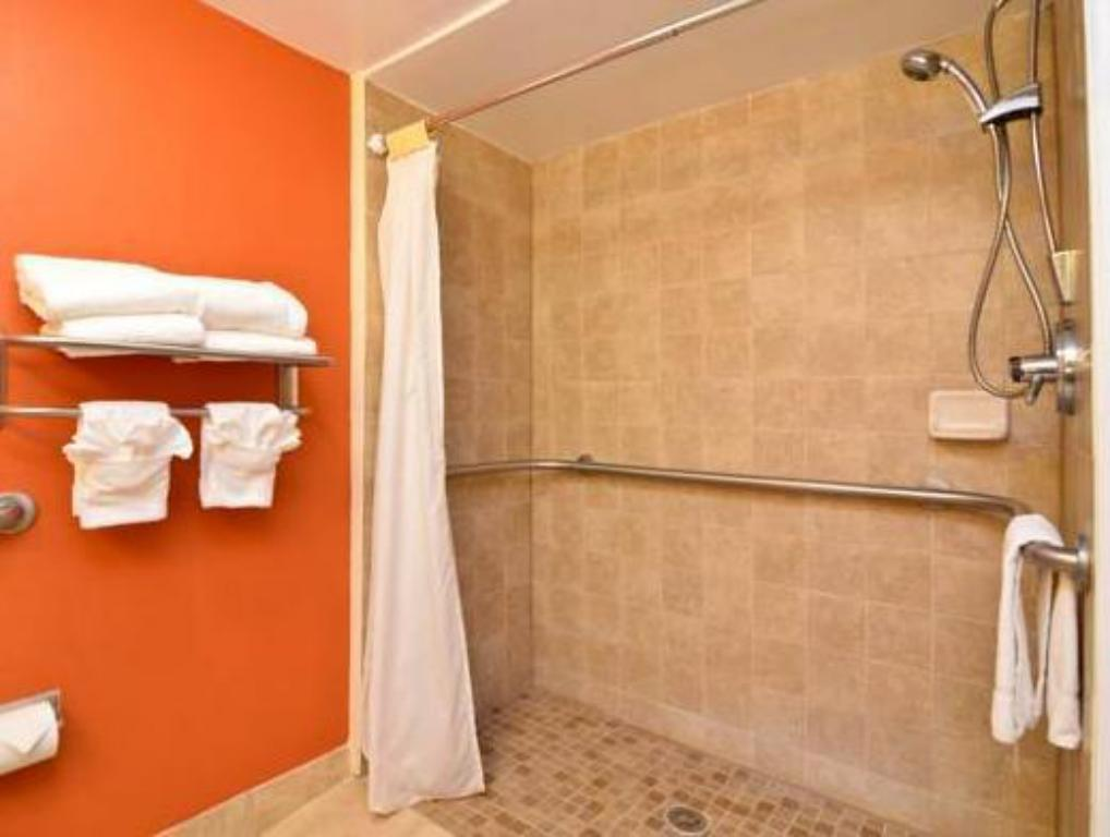 Kamar mandi Sleep Inn - Savannah Gateway