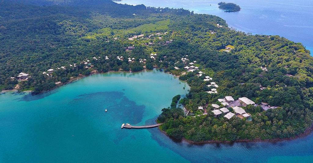 More about Soneva Kiri
