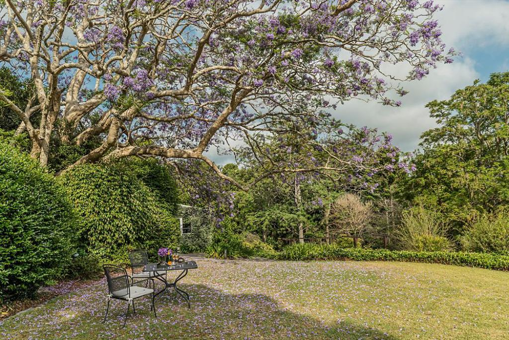 Outside seating area Spicers Clovelly Estate