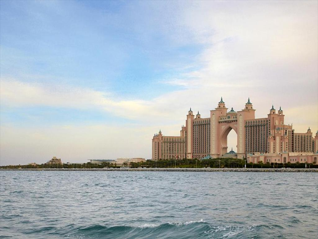 Best Price on Atlantis The Palm Dubai in Dubai + Reviews