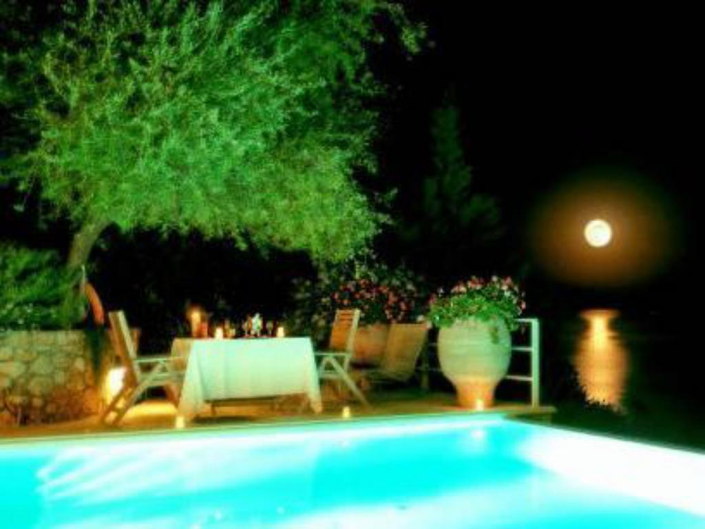 Swimming pool Corfu Luxury Villas