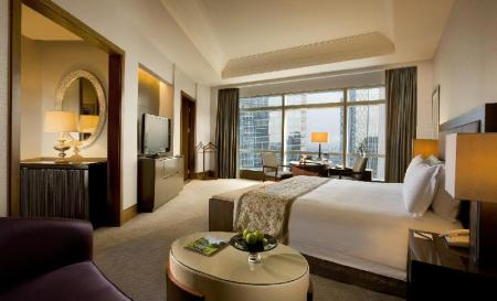 Deluxe Grand Club, Club level, Guest room, 1 King - Room plan The Ritz-Carlton Jakarta, Pacific Place
