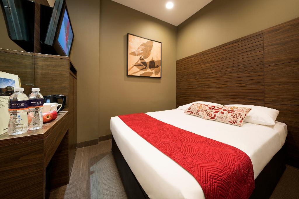 Standard Queen Without Window - Bed Value Hotel Thomson (SG Clean Certified)