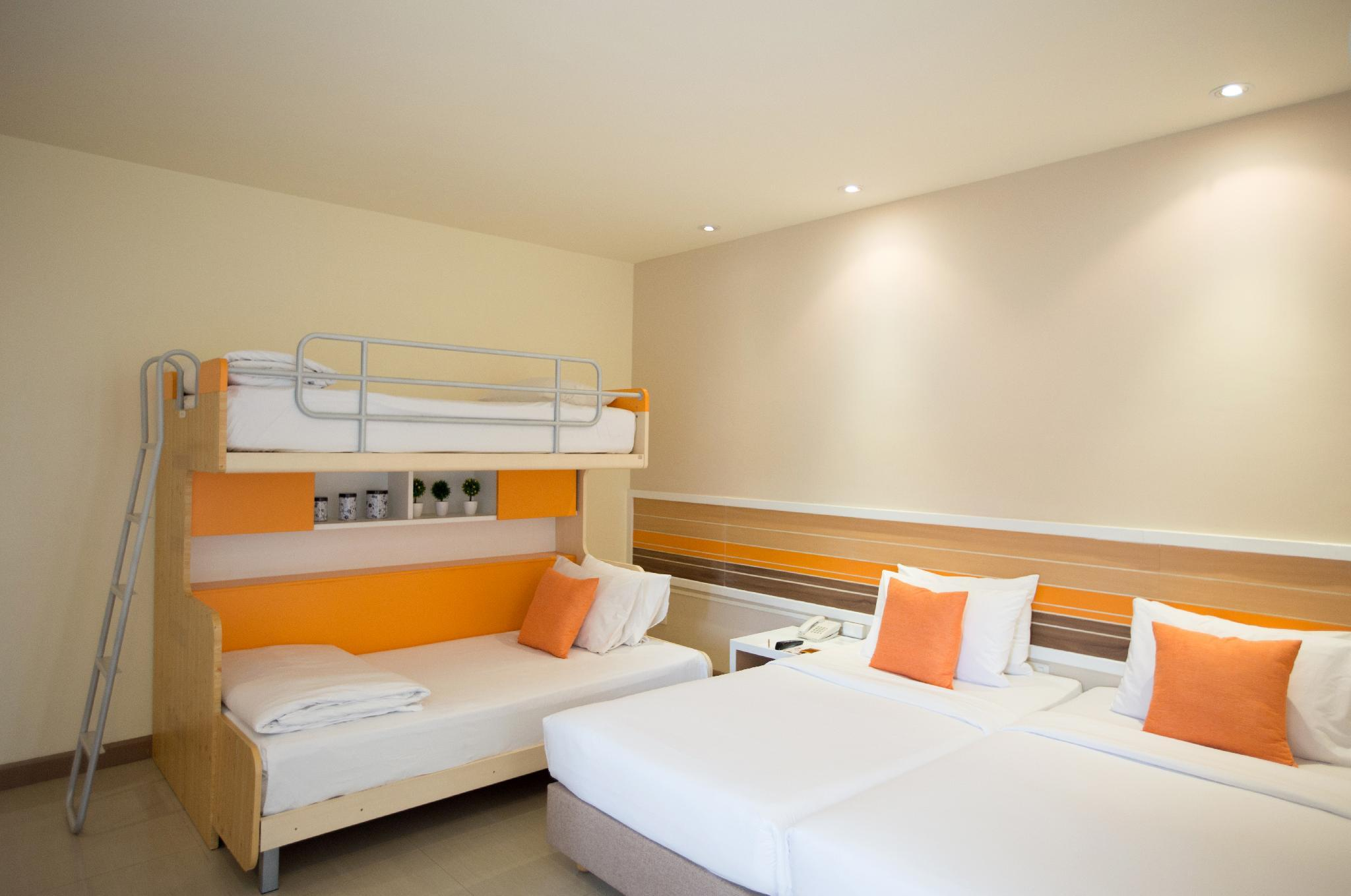 Quarto Familiar 3 Adultos (Family 3 Adults)