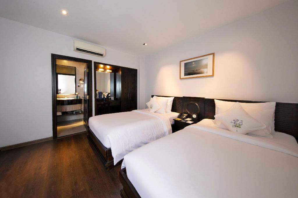Deluxe Twin Room without Window - Rooftop Bar Cocktails and Jacuzzi Access for 2 Included - 房間格局