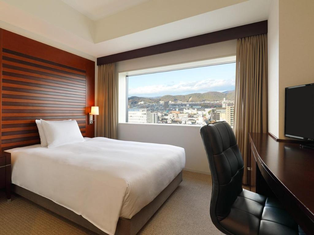 1 Single Bed Standard Non-Smoking - Bedroom ANA Crowne Plaza Okayama