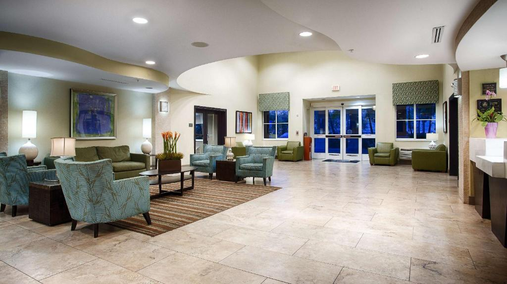 Lobby Best Western Plus Fort Lauderdale Airport South Inn and Suites