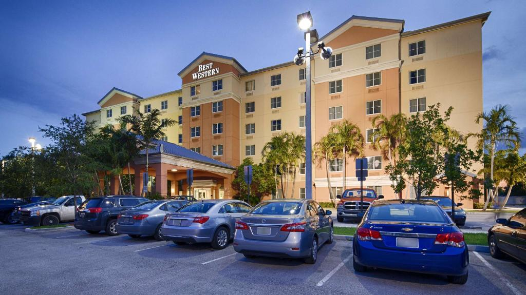 Best Western Plus Fort Lauderdale Airport South Inn and Suites