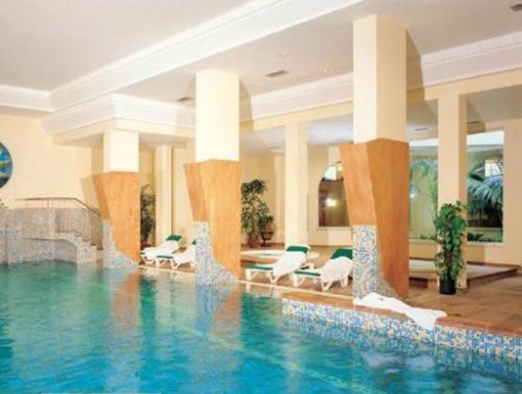 Swimming pool Hotel Antares