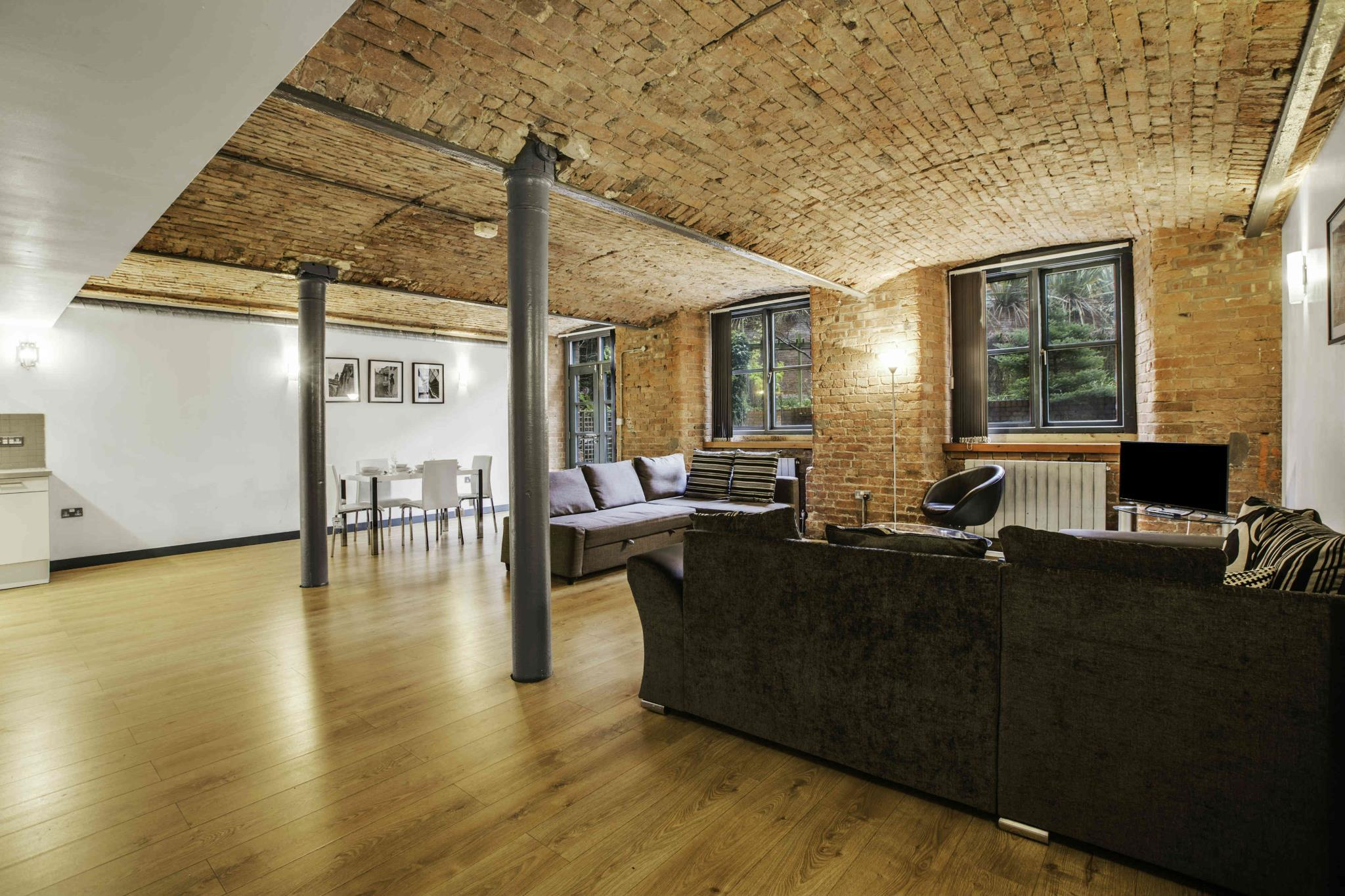 Approved Serviced Apartments, Manchester - Booking Deals ...