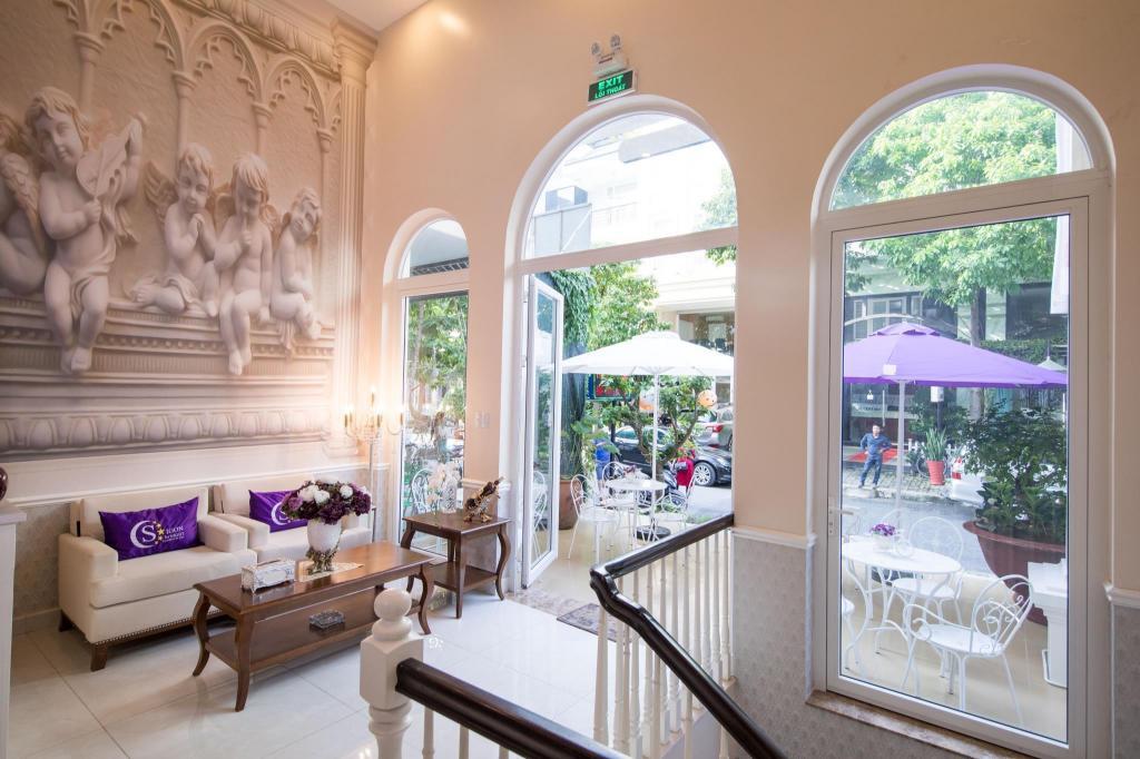 Lobby Saigon By Night Luxury Hotel