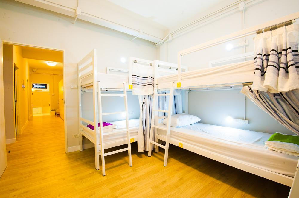 6人宿舍 - 有空調 (Dormitory 6-Bed Air Conditioning)