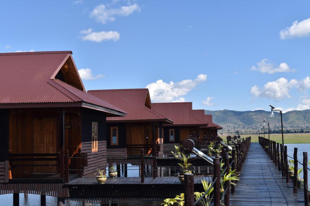 Exterior view The Inle Sanctuary, Phayartaung