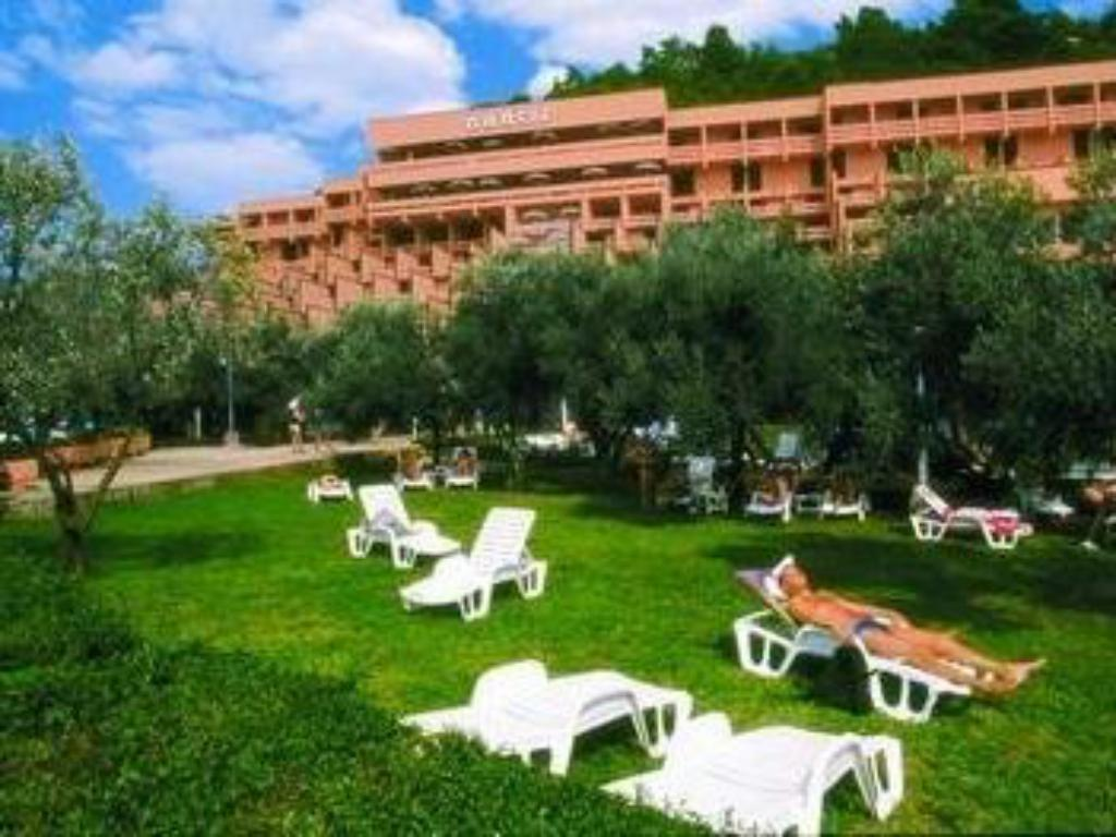 Exterior view Hotel Narcis - Maslinica Hotels & Resorts